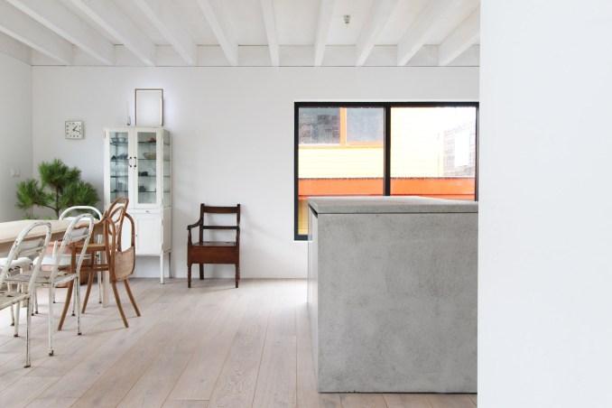 Tatami house by Julius Taminiau Architects
