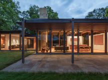 3Novices:Altus designs Minnesota home and accompanying ...