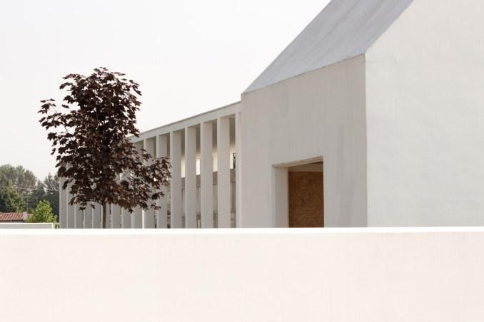 Farewells Court by Studio Mirco Simonato