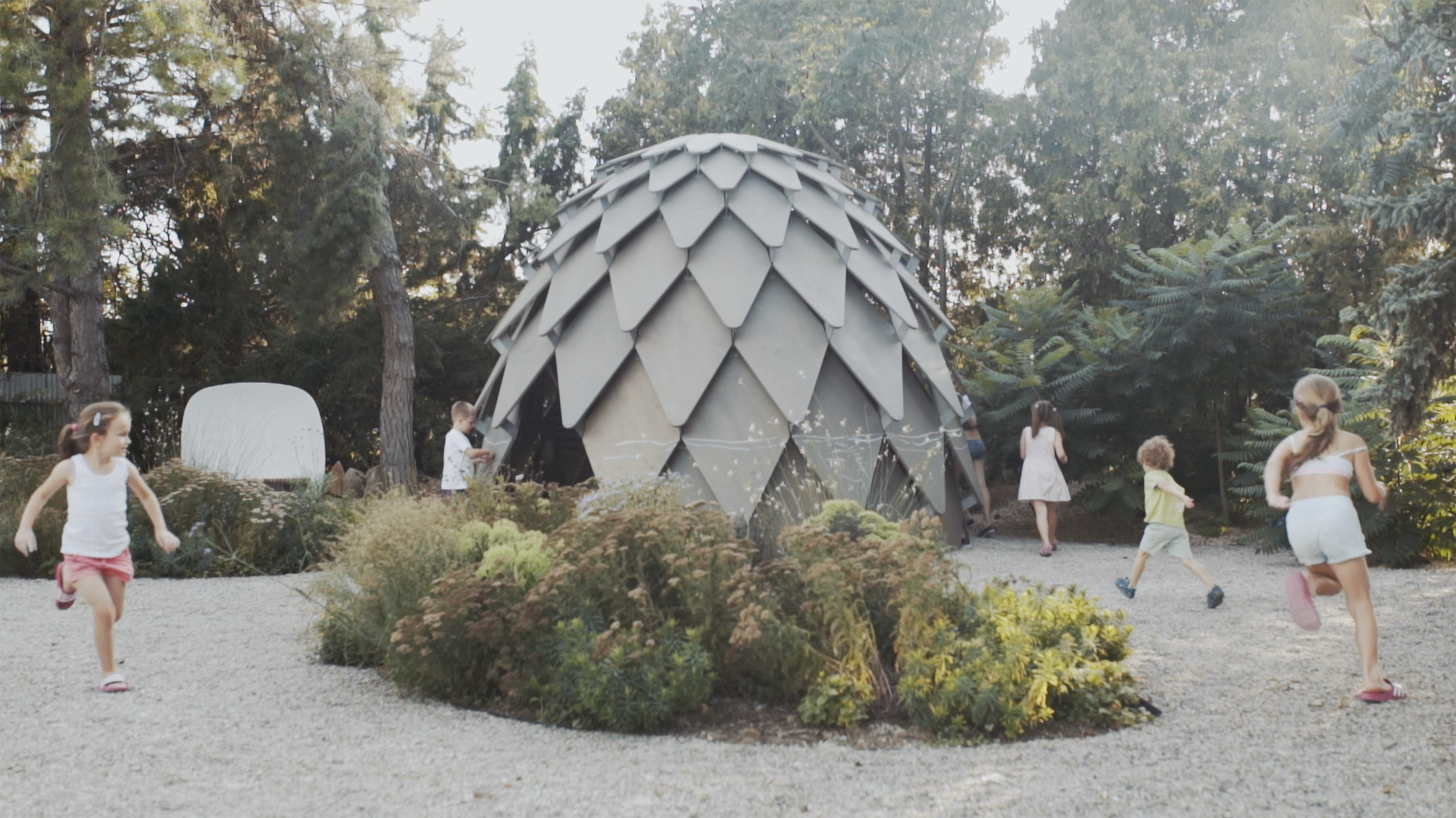 Pinecone mobile gazebo by mmcité1 and Atelier SAD