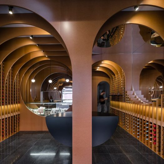 Zooco Estudio create cave-like wine shop in Spain