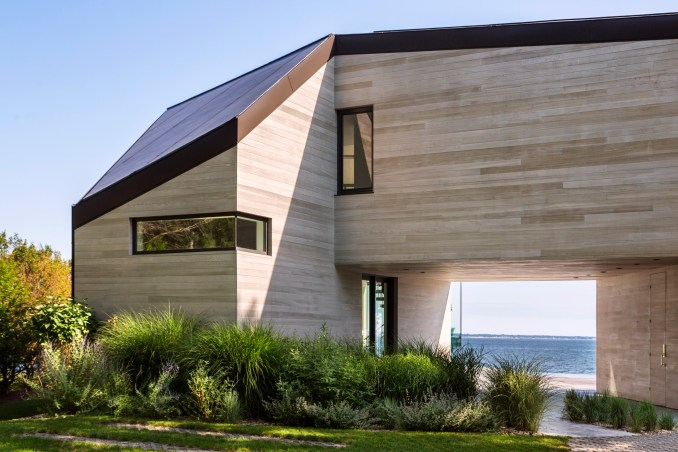 Red Creek Road Residence by Marvel Architects