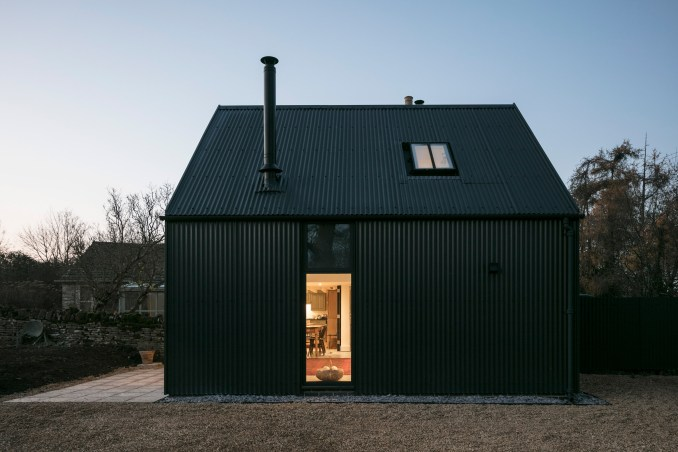 Corrugated metal extension by Eastabrook Architects