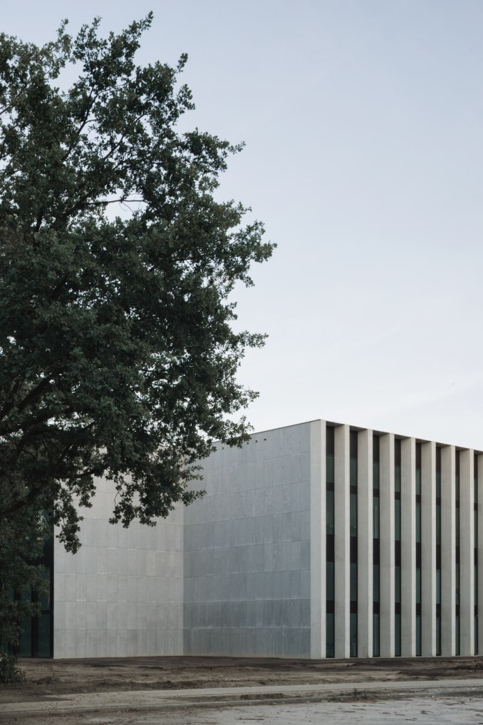 Cube Education and Self-Study Centre at Tilburg University in The Netherlands by KAAN Architecten