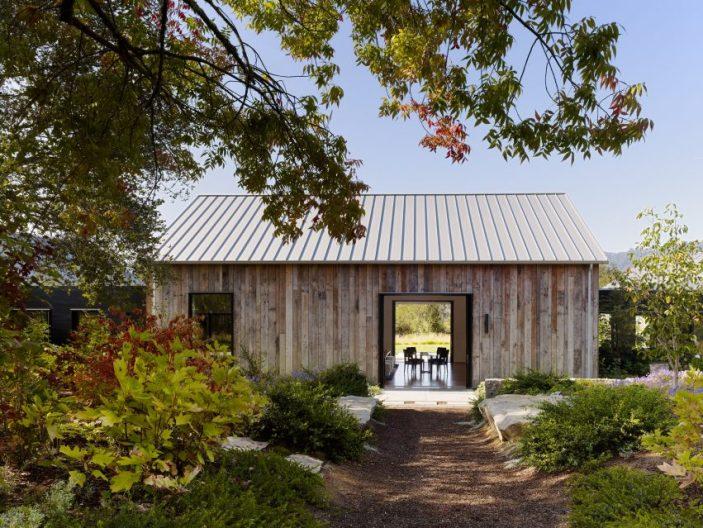 Portola Valley Barn by Walker Warner Architects