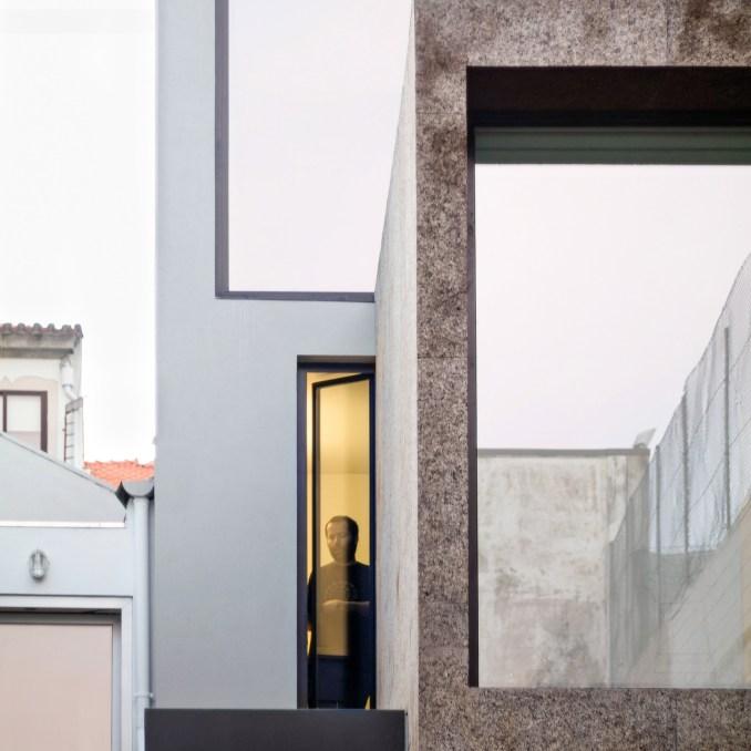 Cork cladding roundup: Casa Bonjardim by ATKA Arquitectos