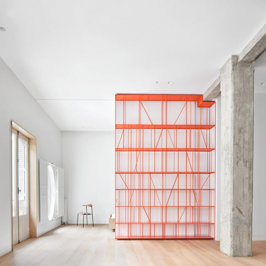 Lucas Y Hernández Gil Trades Walls For Sliding Partitions Inside Casa P