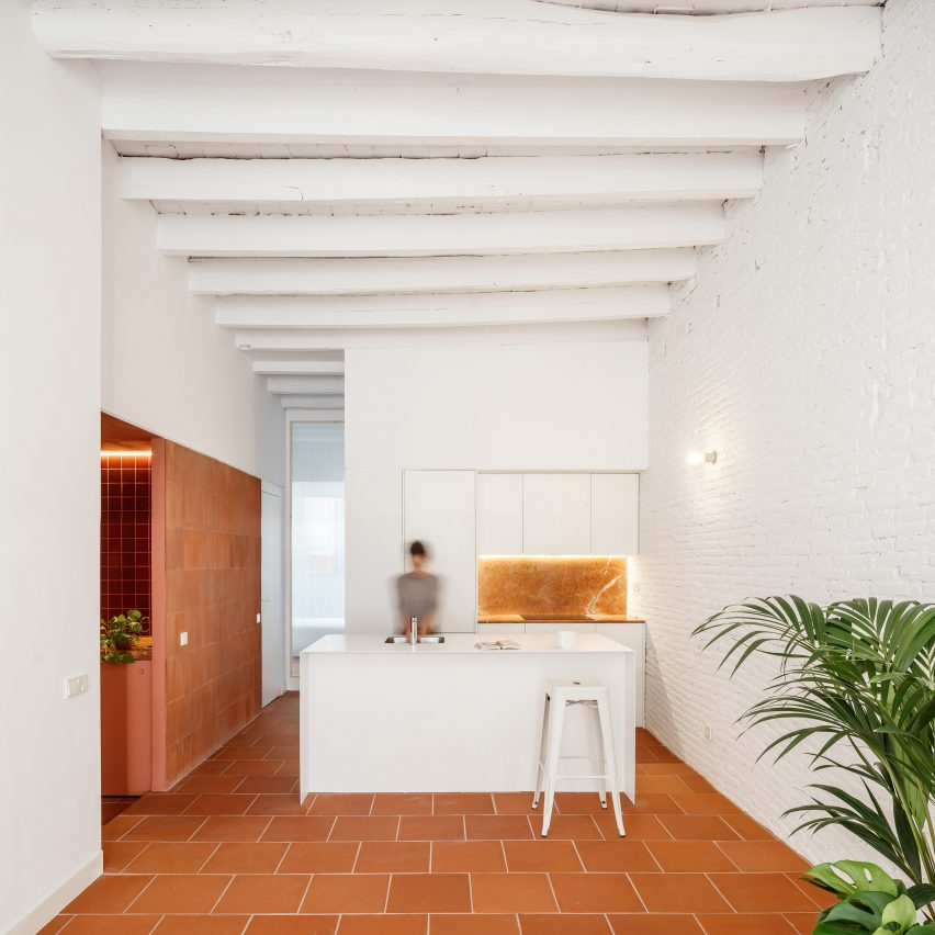 CRÜ Combines Different Terracotta Textures In Barcelona Apartment