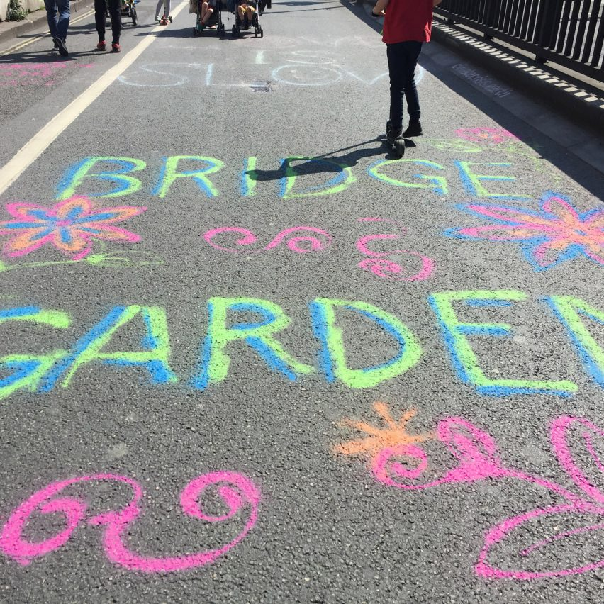Extinction Rebellion protest: Waterloo Garden Bridge