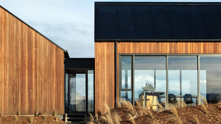 Avalanche House Is A Timber Holiday Home In New Zealand S