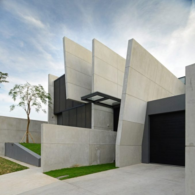 JJ House by Ivan Priatman in Surabaya, Indonesia