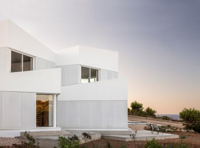 Bridge House by Nomo Studio