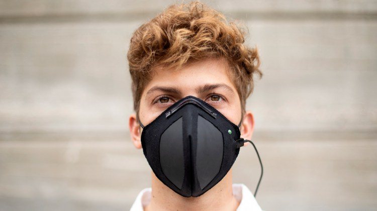 https://i0.wp.com/static.dezeen.com/uploads/2020/03/guardian-g-volt-graphene-mask-virus-protection-design-product_dezeen_1704_hero.jpg?w=750&ssl=1