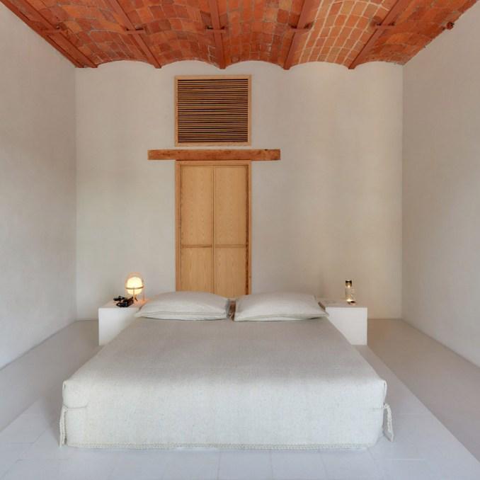 Bedroom in Círculo Mexicano Hotel, Mexico, by Mabrosi Etchegaray
