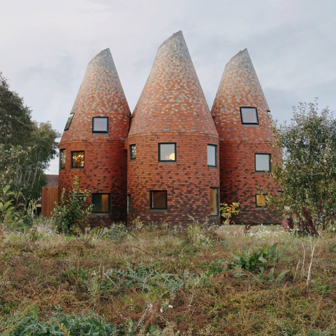 The exterior of the Bumpers Oast house, UK, by ACME