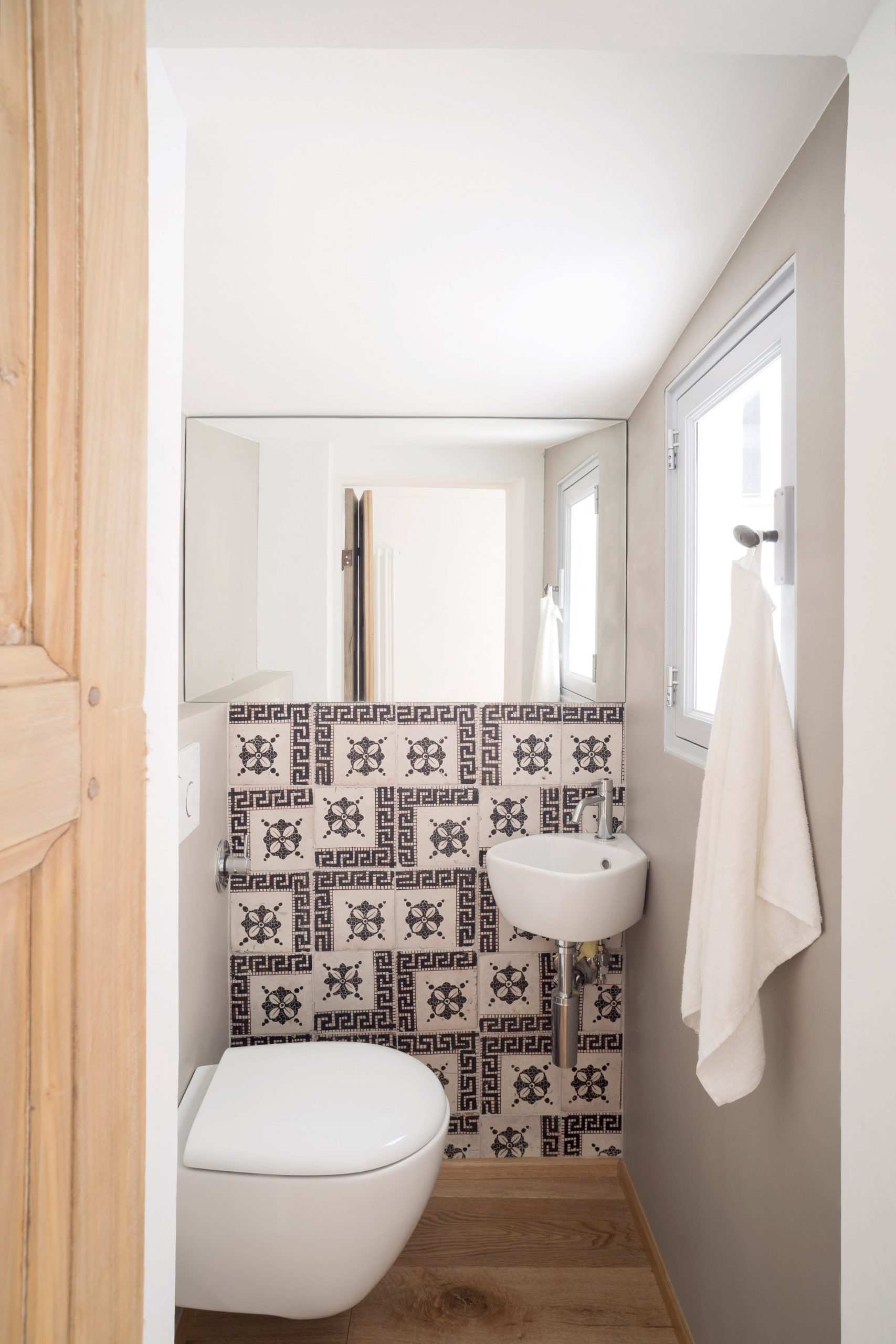 Bathroom in House for a Sea Dog in Genoa by Dodi Moss