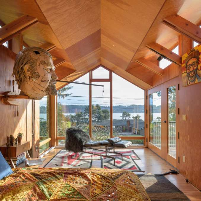 A US wood-lined house in Washington State