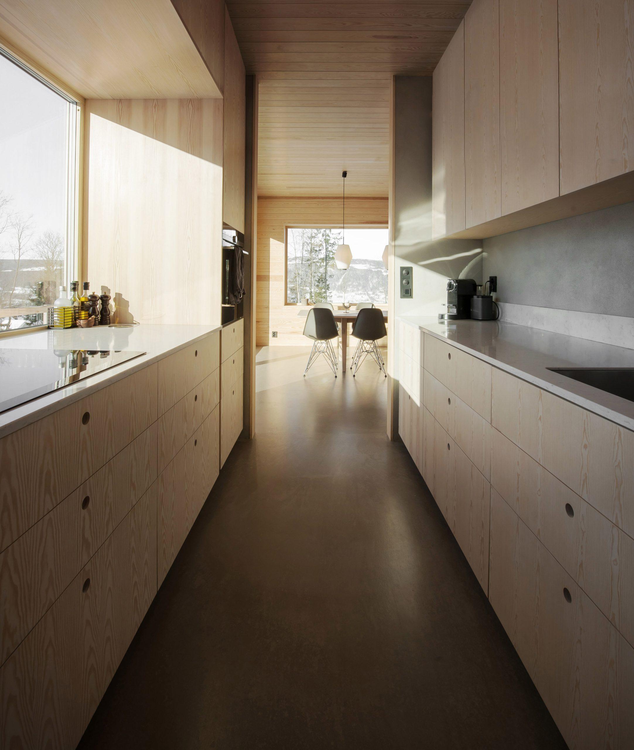 House in Red Concrete by Sanden+Hodnekvam Arkitekter