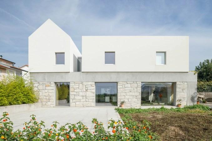 Casa Rio has a modular form