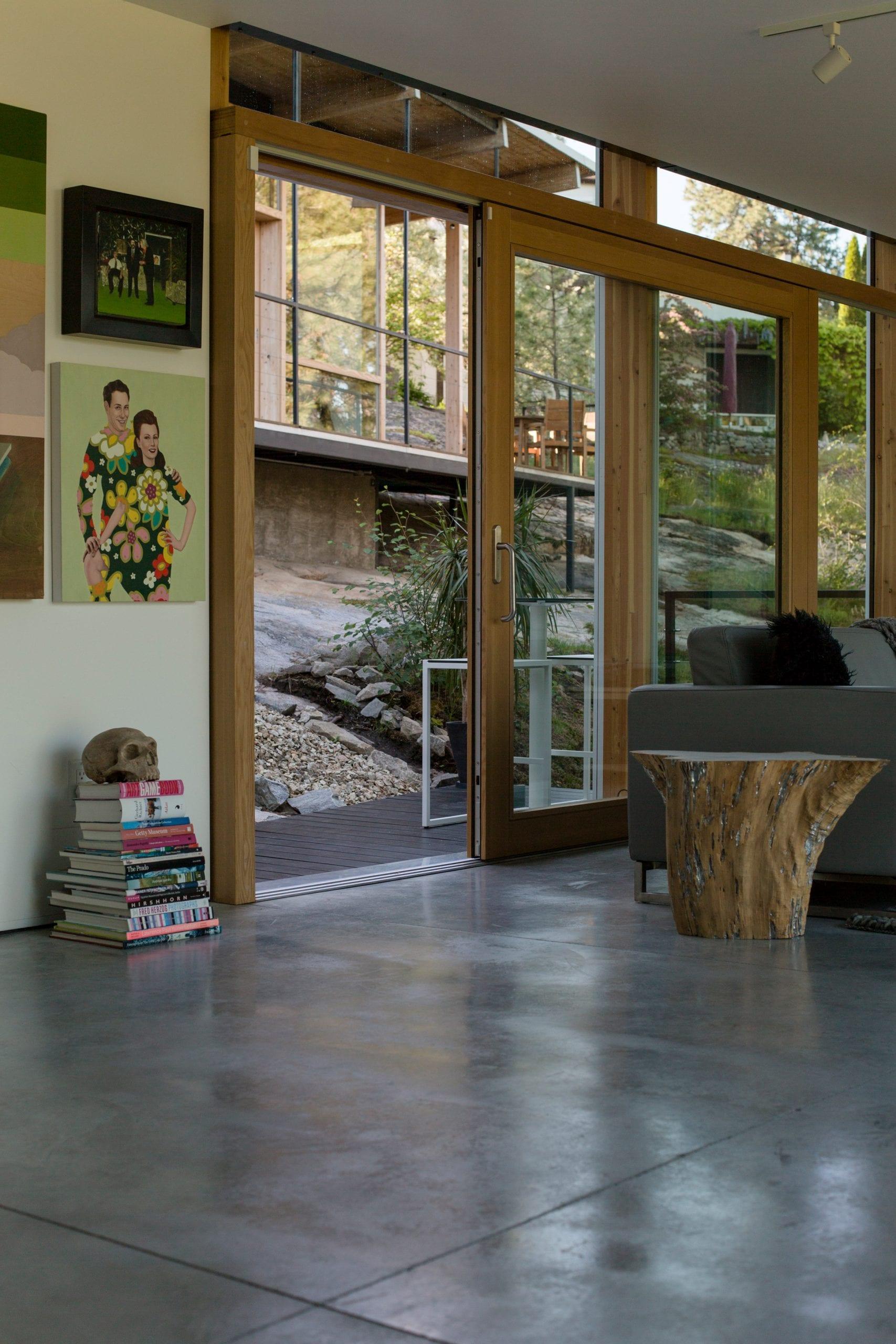 F2A Architecture incorporated wooden columns into the interior