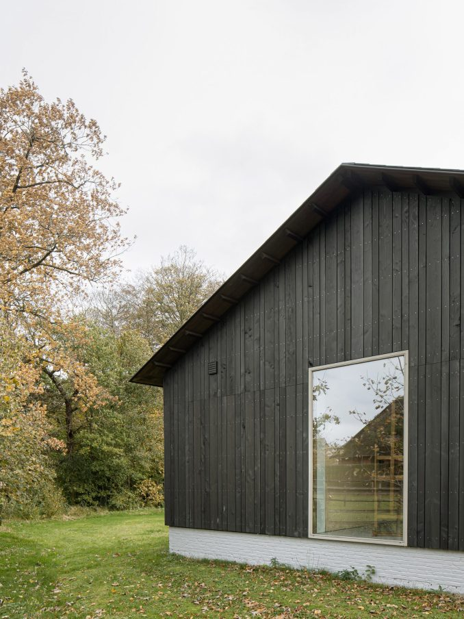 B-L house has a pitched roof