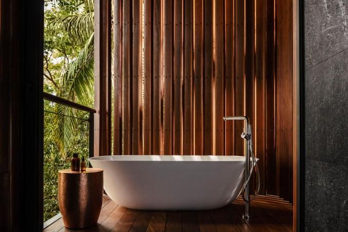 Treehouse bathtub