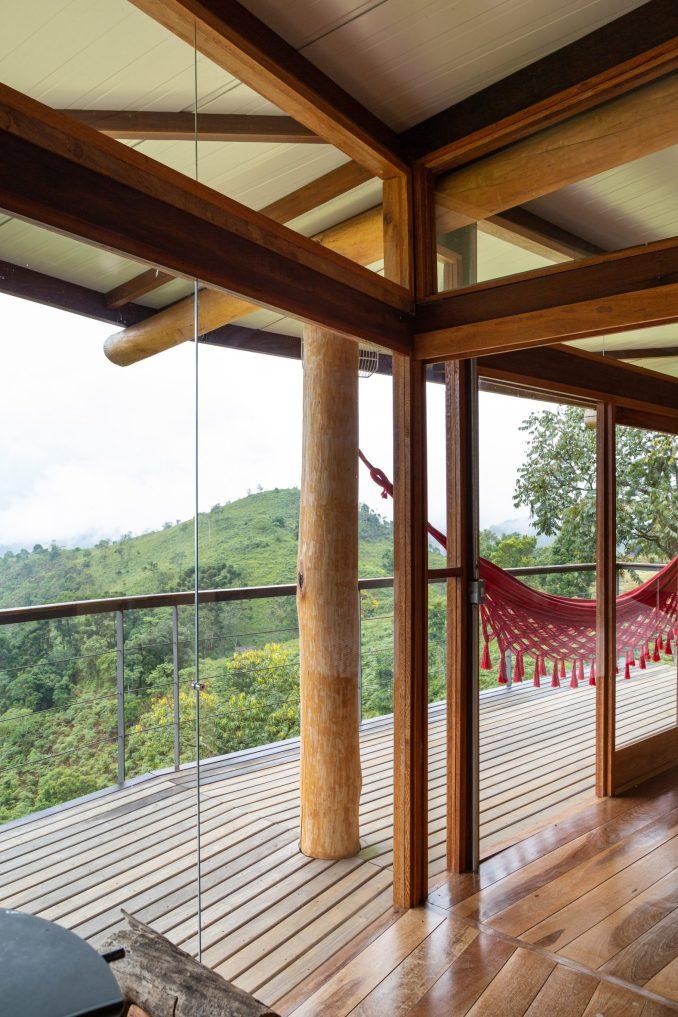 Gui Paoliello Morro Cavado House Brazil Balcony Wooden Walkway