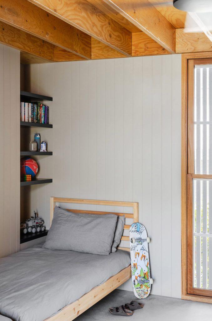 Wooden ceilings in the kids' bedroom