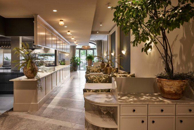 Open kitchen in Esmée restaurant by Space Copenhagen