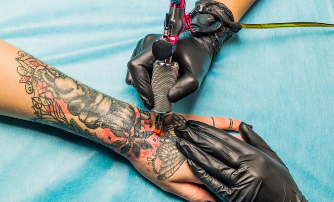 Tatuajes En Color O En Negro Pros Y Contras De Cada Tinta