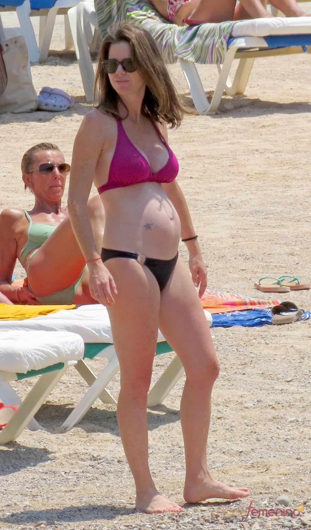 Famosas embarazadas en biquini Amelia Bono