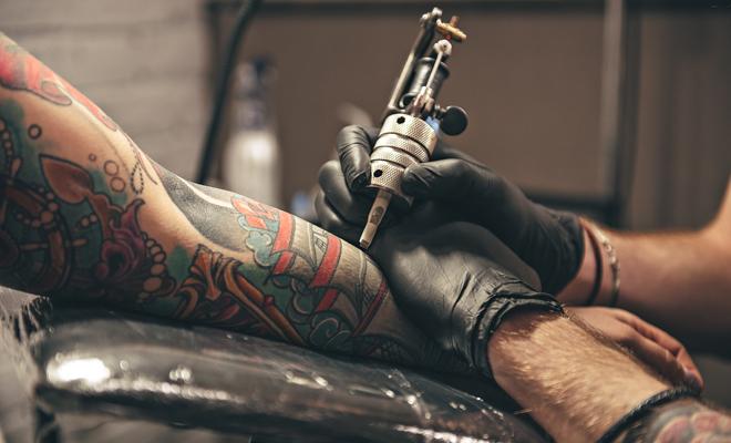 Las 55 Mejores Frases Para Tatuarse En La Espalda El Brazo O El Costado