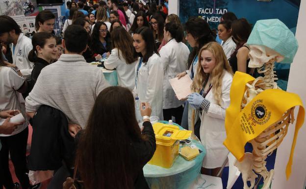 Estudiantes, en las jornadas de puertas abiertas de la UMA /ÑITO SALAS