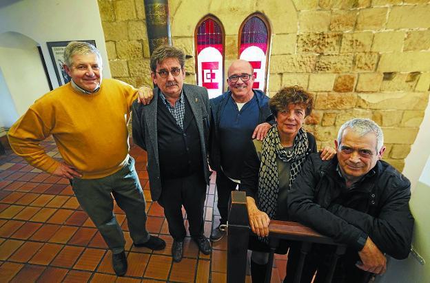 Elola, Etxezarreta, Maiza, Agirrezabala y Agirrezabal, en el ezkertoki de Zarautz. / LOBO ALTUNA