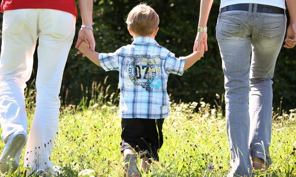 Quellle: http://diepresse.com/home/politik/innenpolitik/4694886/Eltern-getrennt_Gericht-will-gleiche-Rechte