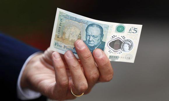 Großbritanniens neuer Fünf-Pfund-Schein / Bild: Reuters/ Stefan Wermuth