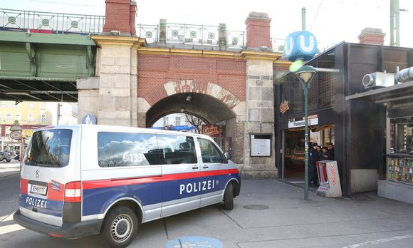 U6 Drogenhotspot, Thaliastraße und Josefstädterstraße, Johann Strauß Park