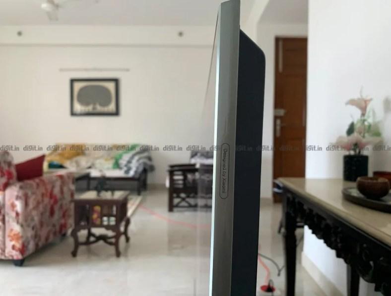 The Mi QLED TV has a premium build and design.
