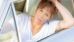 Flaming Beth Hart ще пее в България на 4 декември.