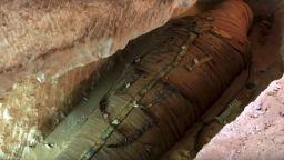 Изненада по телевизията - археолозите откриха в саркофага мумията на свещеник, на 2500 години