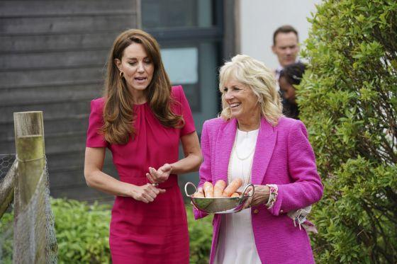 Херцогинята на Кеймбридж Кейт и първата дама на САЩ Джил Байдън напуснаха