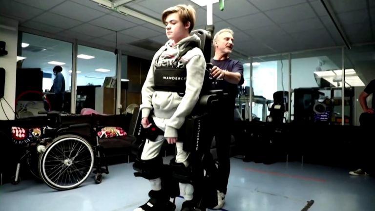 Френското изобретение може да премахне инвалидни колички (видео)