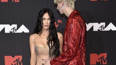 Меган Фокс се появи едва облечена на наградите на MTV