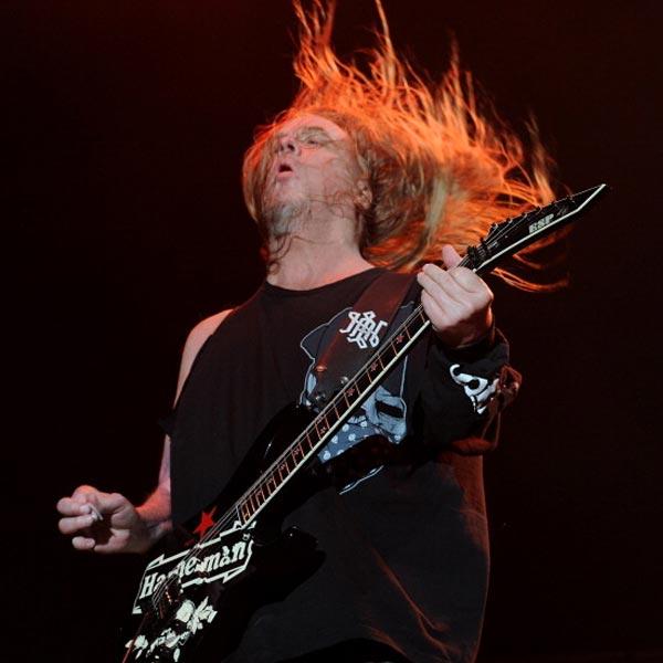 Playing In The Fall Wallpaper Legendary Heavy Metal Guitarist Slayer S Jeff Hanneman