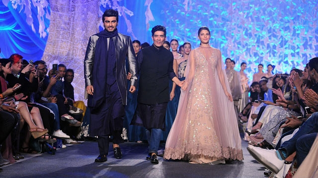Arjun Kapoor and Jacqueline Fernandez with Manish Malhotra