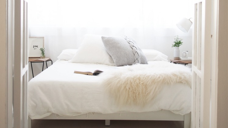 How To Create A Beautiful Guest Bedroom On A Budget