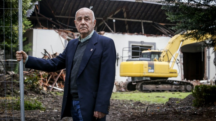 Eddie Young, Toorak Residents Action Group president, says locals are upset at the demolition.