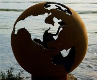 Planet Earth Globe Fire Pit | DudeIWantThat.com
