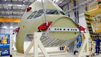 Airbus Cockpit wird gebaut in Meaulte