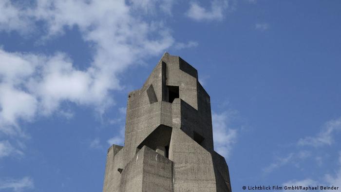 A concrete town hall in Bensberg (© Lichtblick Film GmbH/ Foto: Raphael Beinder )